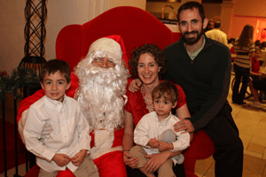Santa and Family Rosen Hotels